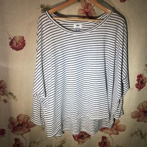 Old Navy XXL black and white striped shirt
